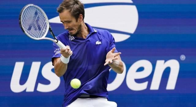 US Open, Daniil Medvedev è il primo finalista a New York: battuto Felix Auger-Aliassime in tre set