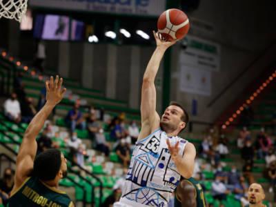 Basket, Supercoppa italiana: Treviso vince ancora, Venezia espugna Reggio nello scontro diretto