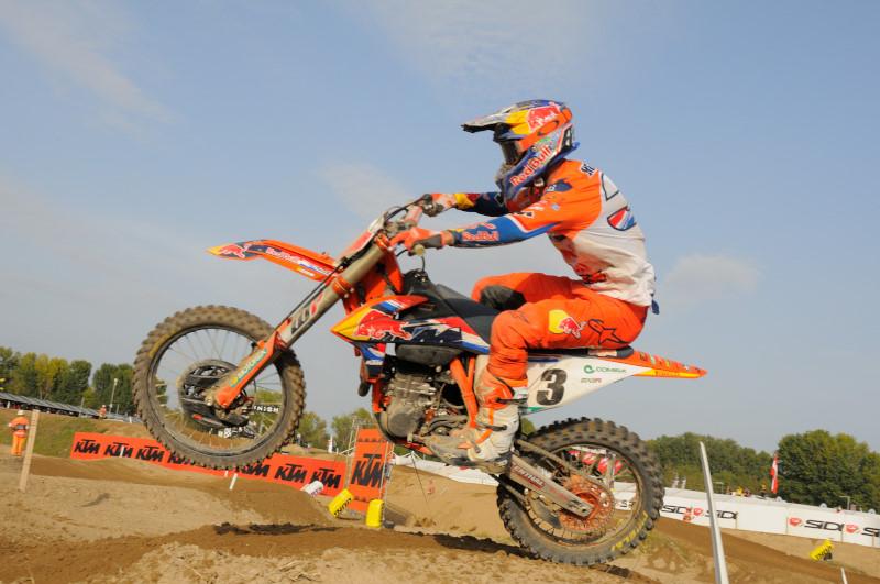 Motocross MXGP, Jeffrey Herlings trionfa in gara 1 a Pietramurata, Tony Cairoli costretto al ritiro
