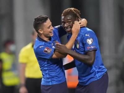 Calcio, tante assenze per l'Italia di Mancini in Nations League: Kean e Calabria nel gruppo, ipotesi Tonali