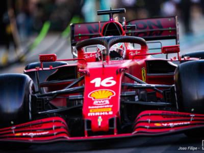 """DIRETTA F1, GP Russia 2021 LIVE: Hamilton vince nel diluvio! Sainz 3°: """"Montate le intermedie al momento giusto"""""""