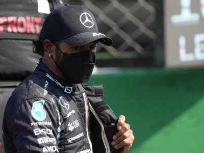 """F1, Lewis Hamilton: """"Verstappen l'ha fatto di proposito, è stata una manovra opportunistica"""""""