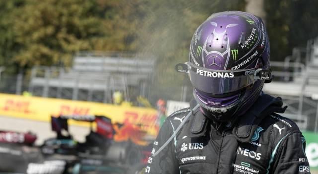 """F1, Lewis Hamilton: """"Orgoglioso degli Steward, Verstappen mi ha colpito e non si è sincerato delle mie condizioni"""""""