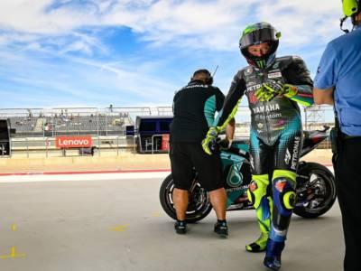 """MotoGP, Valentino Rossi: """"Sensazioni buone nel warm-up, il degrado della gomma posteriore farà la differenza"""""""