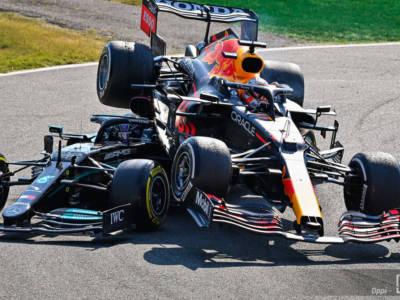 F1, Max Verstappen penalizzato. Occasione unica per Lewis Hamilton nel GP di Russia, il feudo Mercedes