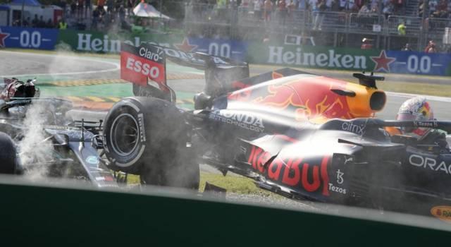 F1, incidente Verstappen-Hamilton: chi è colpevole? Corpo a corpo durissimo, probabile episodio di gara