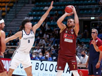 Basket, Supercoppa Italiana: Venezia travolge la Fortitudo Bologna, Treviso cala il poker