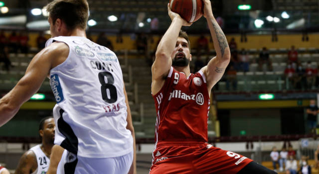 Basket, Supercoppa Italiana: Trieste batte Trento sul filo di lana, Sassari espugna Cremona
