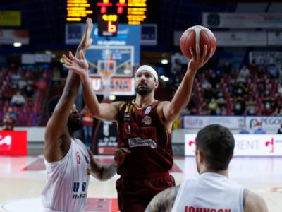 Basket, Supercoppa Italiana: Brescia espugna Napoli, Reyer sconfigge Reggio Emilia e chiude prima nel girone A