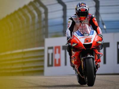 MotoGP, dominio Ducati nelle FP2 bagnate del GP di San Marino! Zarco precede Bagnaia e Miller, lontane le Yamaha