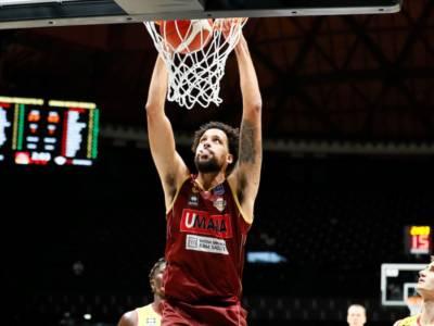 Basket, Supercoppa Italiana 2021: Venezia domina contro Pesaro e accede alle semifinali