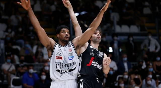 LIVE Olimpia Milano-Virtus Bologna 84-90, Finale Supercoppa in DIRETTA: le V nere portano a casa il primo alloro stagionale