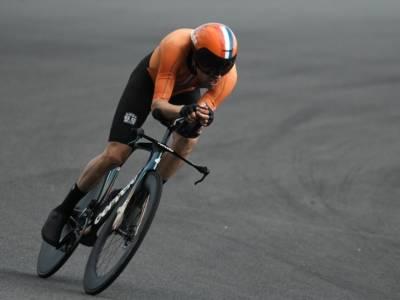 Ciclismo: Tom Dumoulin investito in allenamento. Polso rotto e stagione finita