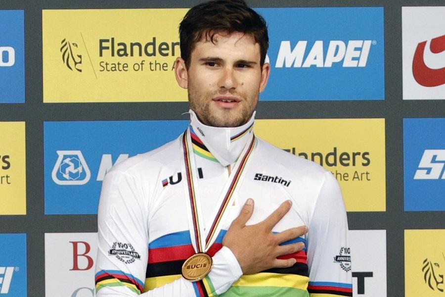 Ciclismo su pista, Filippo Ganna sta meglio e vuol regalarsi l'ultima perla ai Mondiali di Roubaix