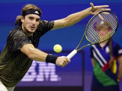 """Tennis, Stefanos Tsitsipas: """"Alcaraz ha il gioco per vincere degli Slam. I fischi del pubblico mi hanno sorpreso"""""""