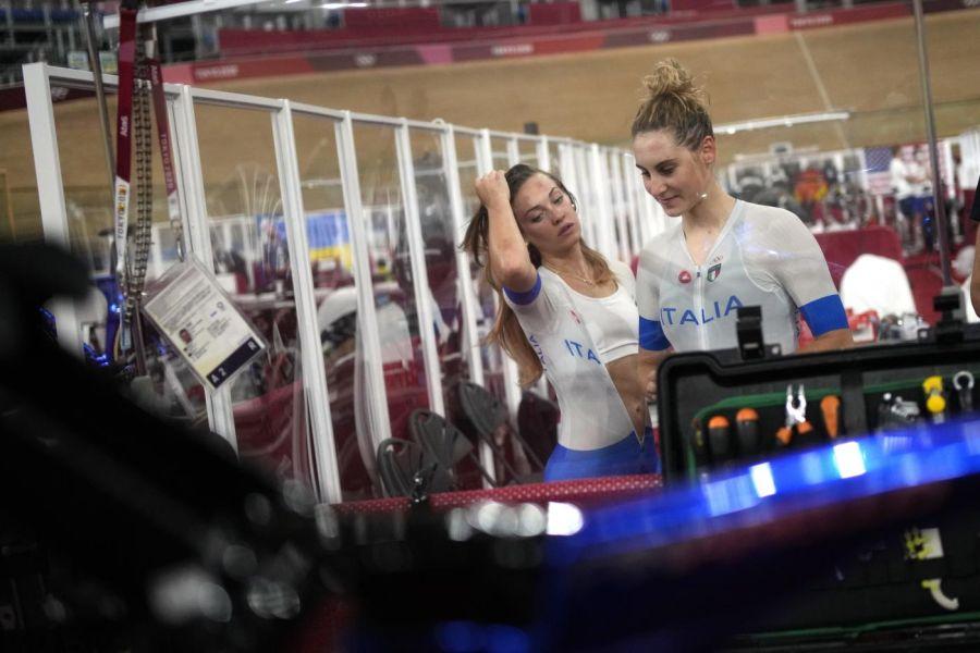 VIDEO Letizia Paternoster scoppia in lacrime dopo l'oro ai Mondiali di ciclismo su pista