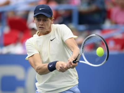 Tennis, Jannik Sinner e la corsa all'8° posto in classifica Race. Proiezioni ranking e avversari da battere. E le assenze…
