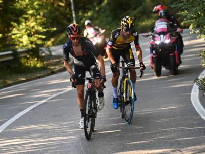 """Ciclismo, Adam Yates: """"Ci ho provato, dovevo anticipare Roglic. Al Giro di Lombardia lotterò"""""""