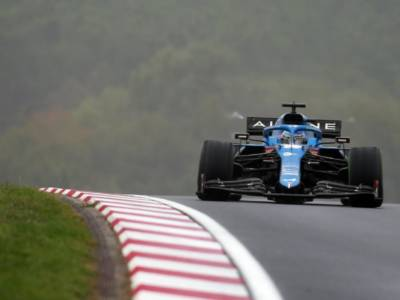 """F1, Fernando Alonso: """"Siamo stati abbastanza competitivi sul giro secco nelle ultime qualifiche"""""""