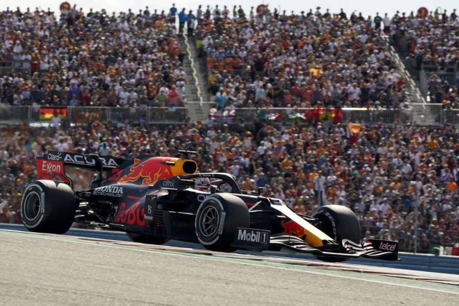 F1, Max Verstappen infligge uno schiaffo morale a Hamilton nell'ex-feudo Mercedes di Austin