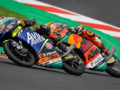 Moto3, Niccolò Antonelli in pole a Misano su pista umida. 5° Pedro Acosta e 14° Dennis Foggia