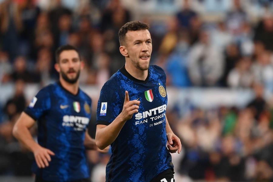 LIVE Inter Juventus 1 0, Serie A calcio in DIRETTA: palo di Calhanoglu, ci pensa Dzeko a segnare