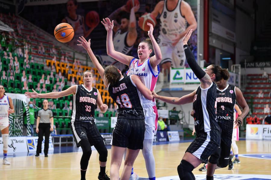 Basket femminile: Sassari travolta in EuroCup 2021 2022,  61 contro Bourges