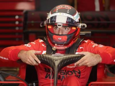 """F1, Carlos Sainz: """"Una buona qualifica, ma domani partire con le soft non mi aiuterà…"""""""