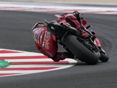 VIDEO MotoGP, GP Emilia Romagna: gli highlights delle qualifiche. Bagnaia ancora in pole, 15° Quartararo