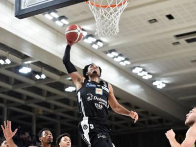 Basket, EuroCup 2021-2022: esordio difficile per Trento