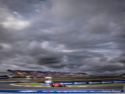 F1, la Ferrari ha provato a vincere! Il rischio di Charles Leclerc e il podio sfumato