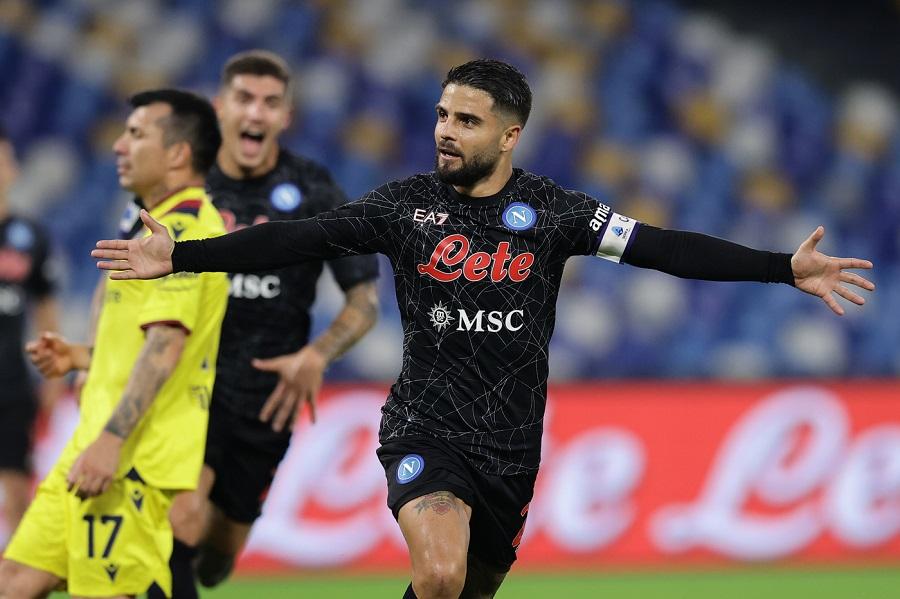 Calcio, tris del Napoli e Bologna ko: Insigne decisivo su rigore e partenopei in vetta con il Milan