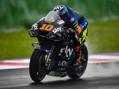 MotoGP, Luca Marini splende nel fine settimana del commiato di Valentino Rossi. Un ideale passaggio di consegne tra fratelli
