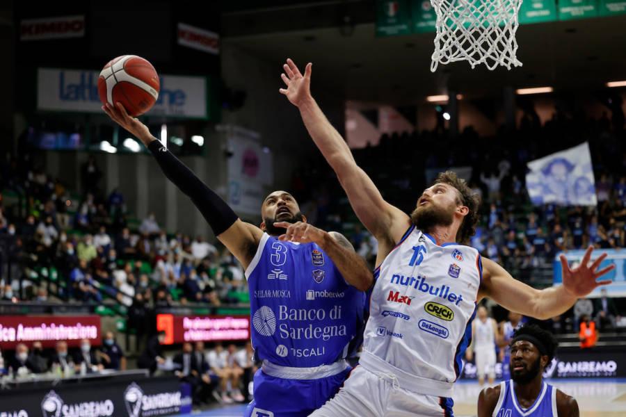 Basket, Serie A 201 2022: David Logan padrone dell'ultimo minuto, Dinamo Sassari corsara a Treviso