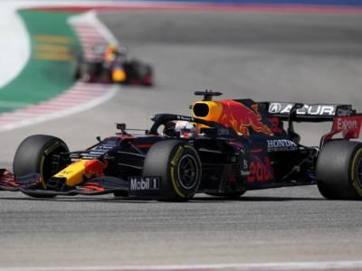 F1, Max Verstappen vince di forza il GP degli USA ed allunga a +12 su Lewis Hamilton! 4° Leclerc, 7° Sainz