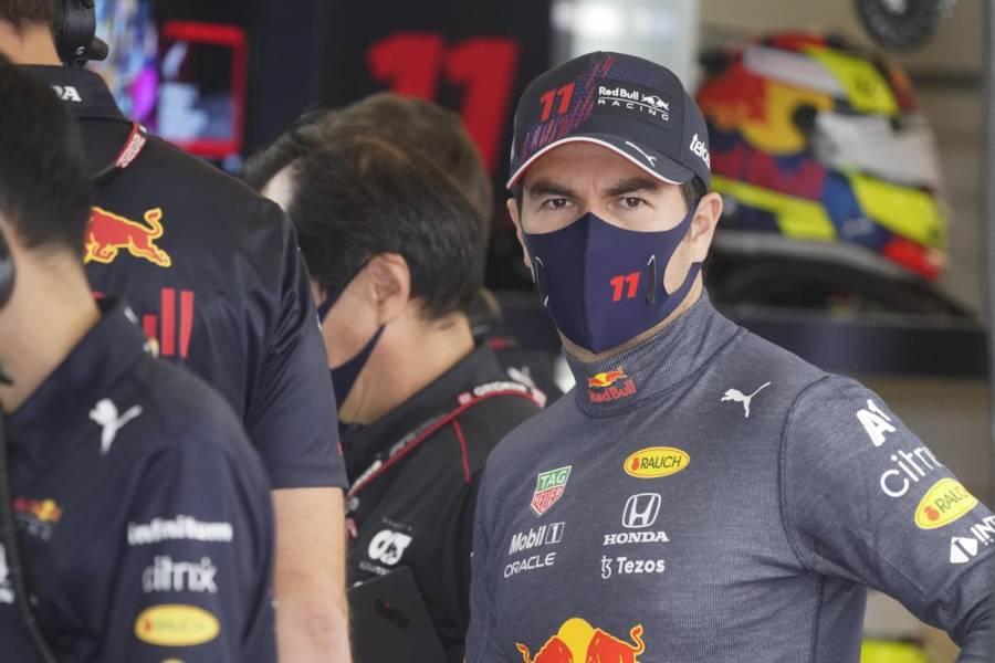 """F1, Sergio Perez: """"Chiudiamo un venerdì positivo ma non sono contento del degrado gomme"""""""