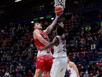 Basket, quarta giornata Serie A 2021-2022: l'Olimpia Milano cala il poker, Reyer Venezia sconfitta nettamente al Forum