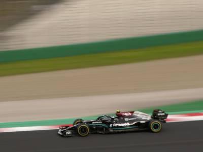 F1, Lewis Hamilton è il più veloce, ma la pole va a Valtteri Bottas! Ottimo terzo Charles Leclerc alle spalle di Max Verstappen
