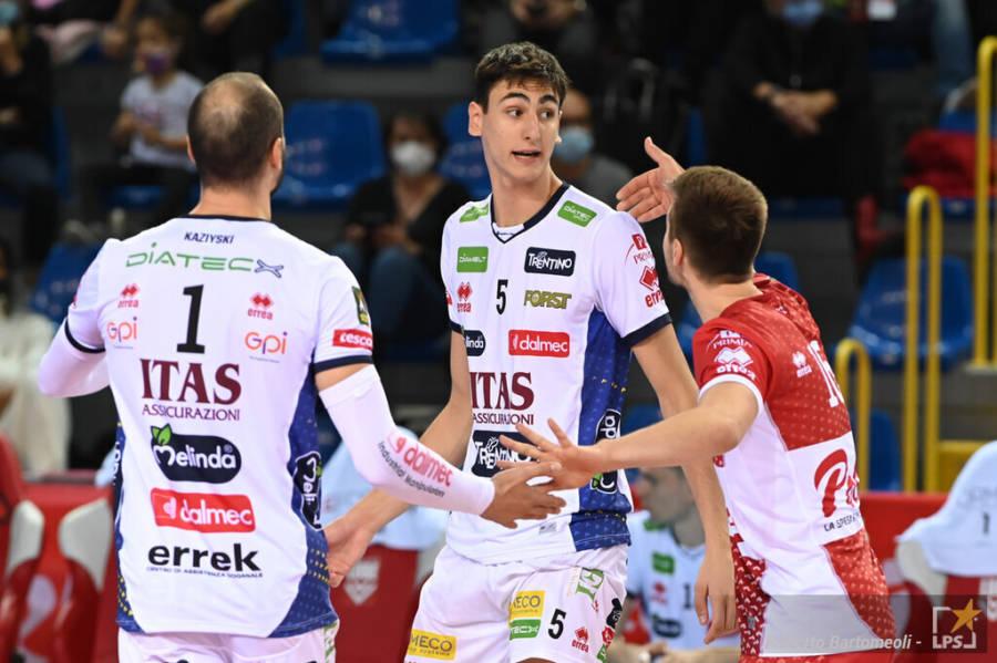 LIVE Trento Monza 3 1, Finale Supercoppa Italiana volley in DIRETTA: i ragazzi di Lorenzetti vincono il primo trofeo della stagione!