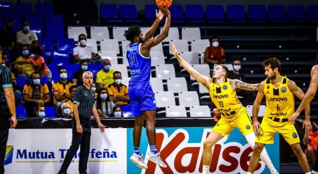 Basket, Champions League 2021-2022: Dinamo Sassari battuta in trasferta da Tenerife, seconda sconfitta consecutiva per i sardi