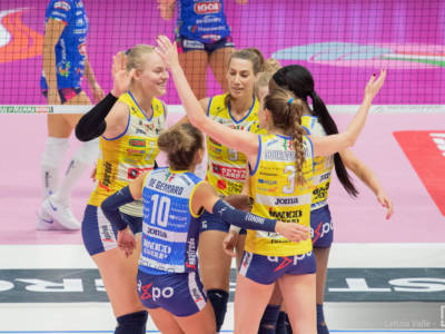 Volley femminile, Serie A1 2021-2022: Conegliano parte con una vittoria, ma Vallefoglia sorprende. Egonu 23 punti