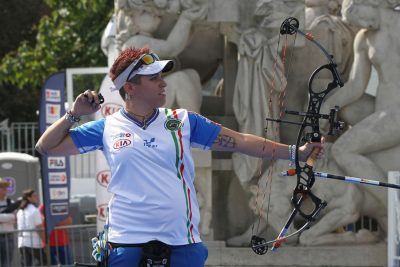 1280px-2013_FITA_Archery_World_Cup_-_Mixed_Team_compound_-_Final_-_03-e1474726935701.jpg