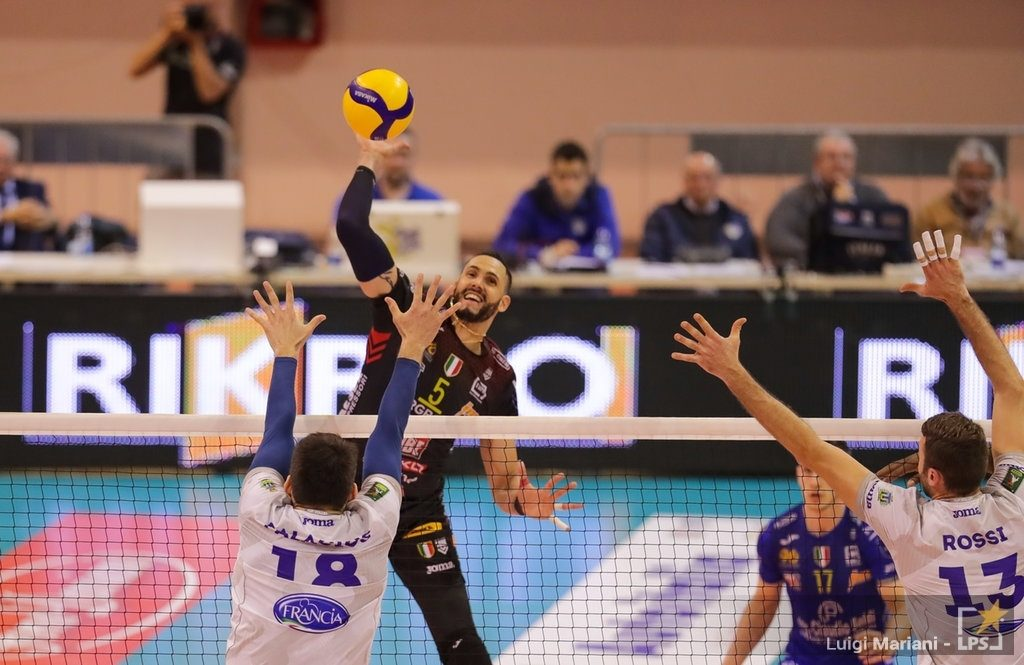 3_2020-01-19_2021170_top-volley-latina-cucine-lube-civitanova-12882.jpg