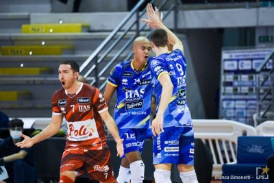 3_2020-11-01_1830430_top-volley-cisterna-vs-itas-trentino-16862-e1606843805797.jpg