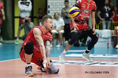 Volley-Sir-Safety-Conad-Perugia-03-Zaytsev-foto-Colombo-P.jpg