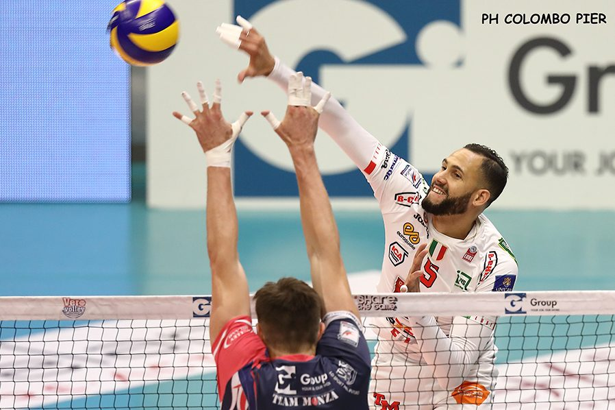 volley-civitanova-lube-3-foto-ColomboP.jpg